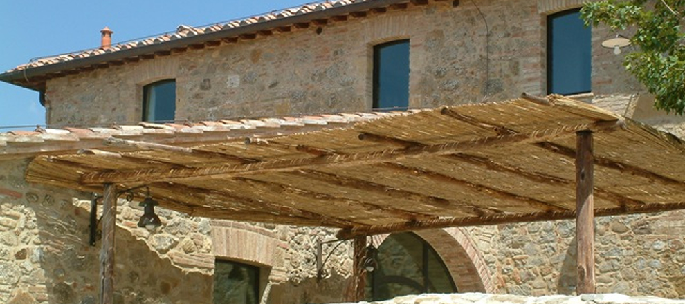 Arredamento con materiali di recupero interior design for Mobili da ristorante di design