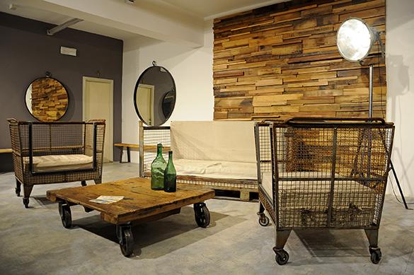Esposizione s albino design industriale sestini corti - Mobili con legno di recupero ...