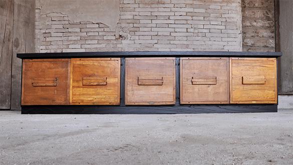 Interior design recupero arredamento design recupero for Mobili vecchi in vendita