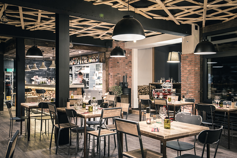Ristorante svizzera design industriale sestini corti for Bar stile industriale