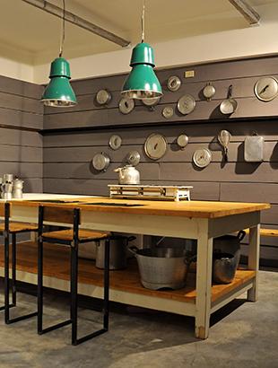 Beautiful Vecchi Tavoli Da Cucina Pictures - Design & Ideas 2017 ...