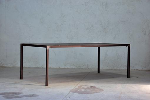 Interior design recupero il tavolo minimal è interamente in ferro ...